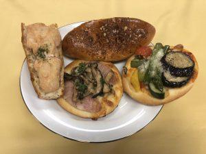 trois fleches(トロワ・フレーシュ)のチーズカレーパン!