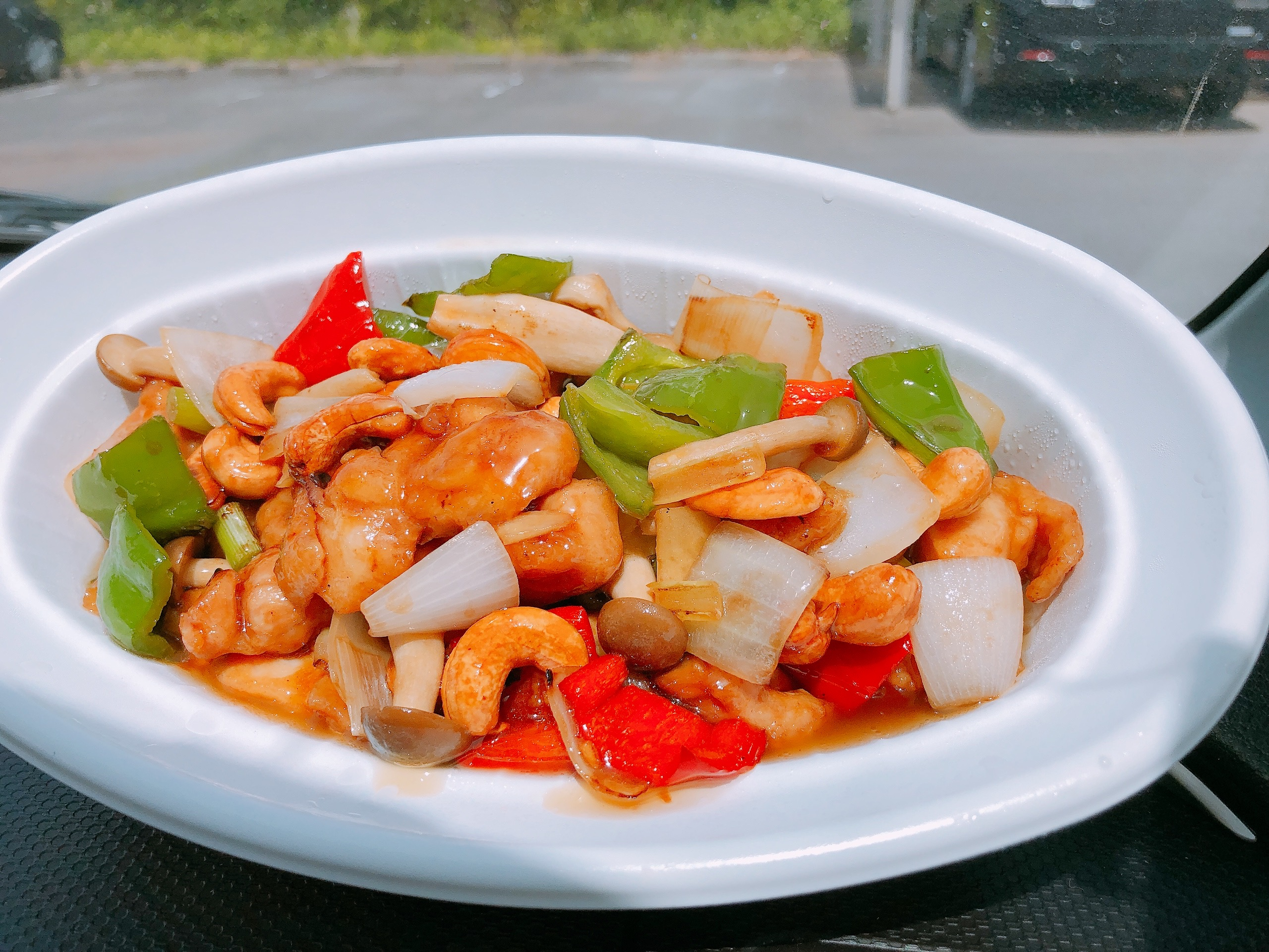 ちゃいなはうすで中華料理をテイクアウト